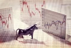 CFD Handel vs. klassische Geldanlage: Vor- und Nachteile